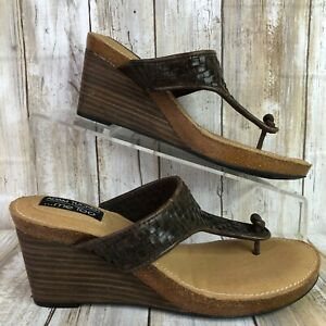 Me Too Womens 6.5M Thong Sandal Woven Brown Leather Wedge Stacked Heel Kain