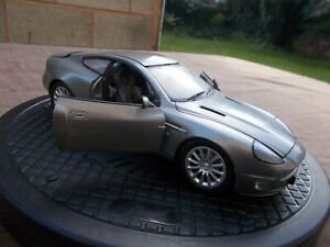 BEANSTALK GROUP 2000'S 'DIE ANOTHER DAY'ASTON MARTIN VANQUISH V12-/USED/UNBOXED