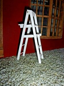 5 INCH  LADDER -  WOOD  - FOLDS UP  - DOLL HOUSE MINIATURE