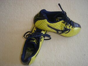 Mizuno Mens Running Spikes  US11  UK10  Eu44.5