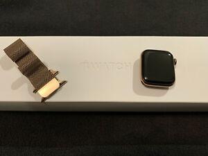 Apple Watch Series 4 40 mm Gold Stainless Steel Milanese Loop - GPS / Cellular