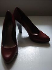 NINE & CO. Brick Red High Stacked Heel Classic CAREER Pumps Faux Leather 8 SHOES