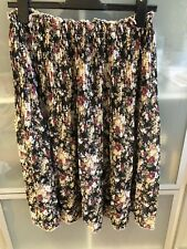 Nice Ladies floral Summer Skirt Size 8-10 S