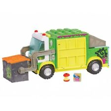 Grossery Gang Muck Chuck Garbage Truck 1 Playset 2 Figures for Age 5