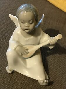 """Lladro """"Angel Boy Playing Lute"""" Figurine BLACK LEGACY COLLECTION"""