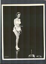 VERY SEXY VIRGINIA MAYO IN BIKINI PLAYS RING TOSS GAME - 1940'S CHEESECAKE  CHSK