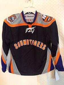 Reebok Youth AHL Jersey BRIDGEPORT SOUNDTIGERS Team Black sz L/XL