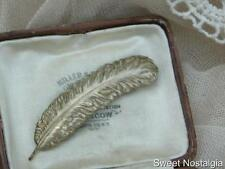 CHARMING VINTAGE 40/50'S TEXTURED BRAEMAR EAGLE FEATHER STLYE BROOCH