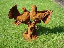 couple de colombe ou pigeon ,statue, posture en fonte pat rouillé  !!!