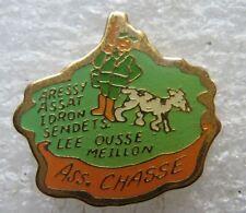 Pin's Association de Chasse Chasseur et son chien fusil #A1