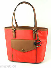MICHAEL KORS TASCHE/SHOPPER  JET SET ITEM NYLON MD TOTE  NYLON / LEDER