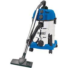 DRAPER 30L 1600W Wet and Dry Vacuum Cleaner Integrated & 230V Power Socket 20529