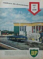 PUBLICITE BP STATION SERVICE POMPE A ESSENCE VERT ET JAUNE DE 1960 FRENCH AD PUB