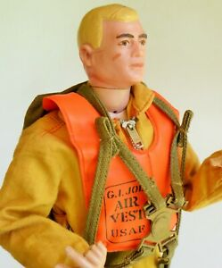 HASBRO GI JOE ACTION PILOT FIGURE WITH AIR VEST & PILOT UNIFORM BLOND HAIR