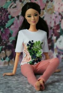 №260 Handmade Doll Clothes. T-shirt and Leggings for Dolls.