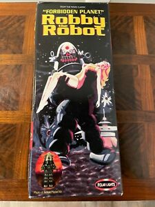 """Robby The Robot """"Forbidden Planet"""" Kit by Polar Lights Model #8002 Ages 8 & Up"""