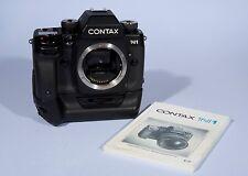 Contax N1 35mm Fotocamera SLR Film + supporto batteria P-9 * COMPLETAMENTE FUNZIONANTE
