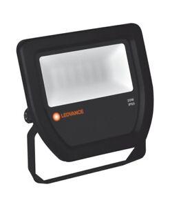 LEDVANCE FLOODLIGHT 20 W/3000 K IP65 schwarz