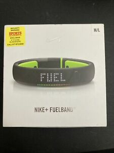Nike+ FuelBand SE Activity Tracker Green, M/L, ALL ORIGINAL PACKAGING