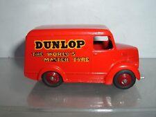 Dinky Toys Trojan Van los neumáticos Dunlop en Repintado echar un vistazo a las fotos