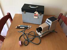 Working Argus 300 slide projector 300 Standard Model III Beige / Sand
