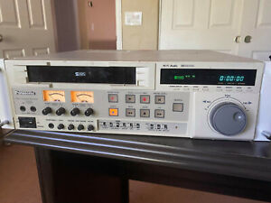 Panasonic AG-7350 Professional S-VHS VCR/VHS Recorder (Presumed Working)