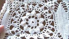 Vintage Hand Crochet LG Open Stitch Table Linen Bedspread Queen Full 70x90 Lo80