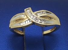 14K YELLOW GOLD BAGUETTE AND ROUND DIAMONDS BEAUTIFUL BAND RING