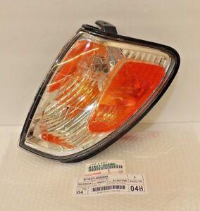 LEXUS OEM FACTORY DRIVER SIDE CORNER TURN SIGNAL LAMP HOUSING 1998-2002 LX470