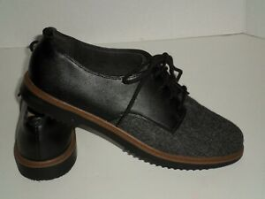 Clarks Collection Women's Black Oxford Lace Up Soft Cushion Shoes Size 8
