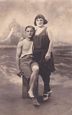 ANTIQUE B&W YOUNG MAN & WOMAN IN SWIMSUITS CABINET POSTCARD PHOTO