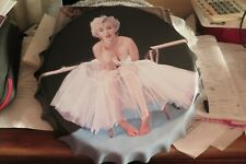 marilyn monroe  40 cm tin metal bottle cap sign MAN CAVE .