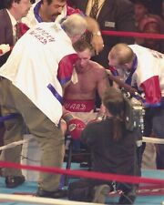 MICKY WARD 8X10 PHOTO BOXING PICTURE ON STOOL