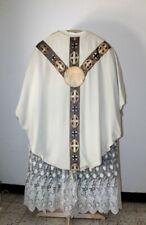 Chasuble gothique de prêtre blanche décor Marial milieu XXe