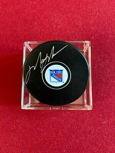 "Mark Messier, ""Autographed"" (JSA) New York Rangers Hockey Puck (Scarce /Vintage)"