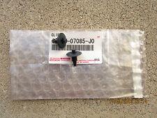 89 - 95 TOYOTA 4RUNNER SET OF 2 INTERIOR DOOR PANEL TRIM BOARD CLIP NEW 07085-J0