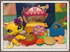 Littlest Pet Shop #2194 Advent Yellow Short Hair Cat Green Eyes w/ Accessories