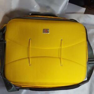 Merrell Outventure Transit Weatherproof Shoulder European Messenger Luggage Bag