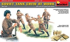 Mini Art 1/35 Soviet Tank Crew At Work  Model Kit 35153