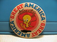 1975 Tweety Bird Cartoon Character Great America Marriotts Motel Pin Pinback