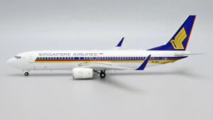 Singapore Airlines Boeing 737-800 9V-MGA JC Wings EW2738015 Scale 1:200