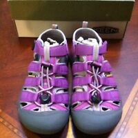 Keen Newport H2 Sandal Magenta Striking Purple Size 4 Youth/ Size 6 Womans