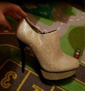 Golden platform high heels Size 5 Bnwt