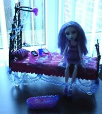 Monster High Doll Spectra Dead Tired+Floating Bed Playset