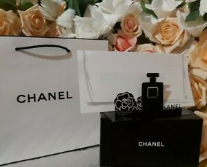❤️ CHANEL BEAUTE VIP GIFT Namecard Letter Stand,NEW IN BOX!