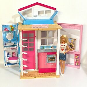 Barbie 2-Story House Playset Portable Fold and Go DVV47 2016