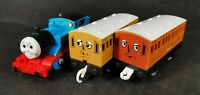 Thomas with Annie and Clarabel Motorised Train Trackmaster Thomas And Friends *4