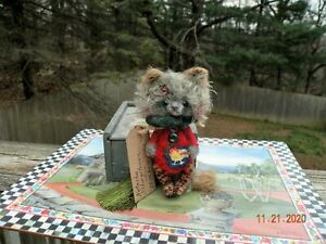One of a Kind Artist Miniature Stray Kitten / Cat & Hand Painted Box