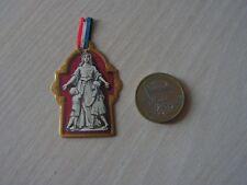 Insignes de jounée -  poilu  14   18    journee des orphelins de guerre