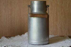 ancien pot a lait en aluminium de 1,5 litre poignée bois hauteur 22 cm